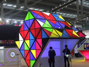 显示行业新乱战:QLED叫板LCD和OLED