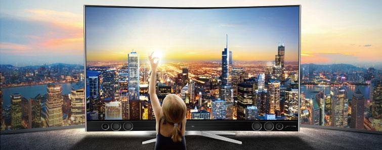 """TCL XESS X1作为TCL电视的高端副品牌的代表产品,它搭载着被誉为""""人类迄今为止发现的最优秀的发光材料""""——悦彩量子点显示材料,可达到NTSC.1931标准中110%的色域,用实力还你一个绚丽世界。"""