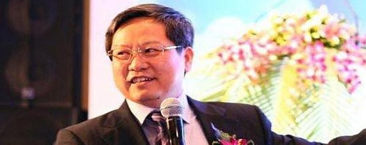 """日前,创维数码一则高管人事变动的公告透露,杨东文将辞任行政总裁一职,调任为非执行董事,辞职调任自4月1日起生效。至此,媒体猜测杨总或有意""""退休""""。"""
