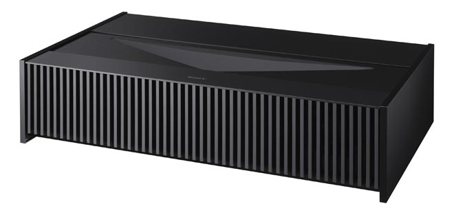 4月21日,上海SIAV国际高级HI-FI演示会中,索尼宣布在中国市场推出VPL-VZ1000ES 4K激光超短焦投影机。VPL-VZ1000ES作为索尼家庭影院投影机中的旗舰产品,配备激光光源,仅需26厘米即可投放120英寸的原生4K HDR画面。