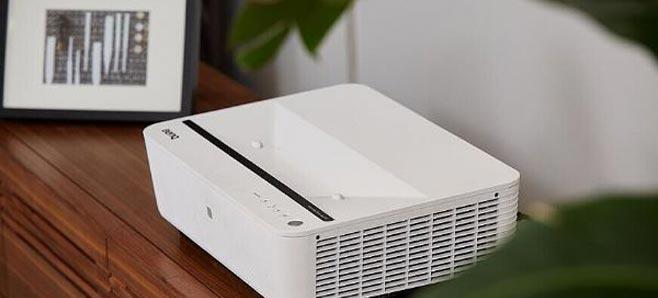 明基激光超投电视i950L的出现,为设计师们带来了更好的选择——简约设计、不占空间、不改变以往装修布局、观感舒适自然,平实之中又别有惊艳表现。
