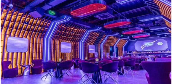 皓空科技打造太空舱主题酒吧show