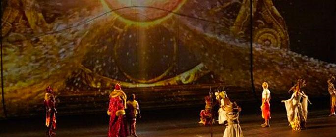 8月份正式開演,杭州太陽馬戲《X綺幻之鏡》就拿下5分的滿分好評。這是國內文旅產業的一個奇跡。
